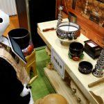【東京 江東区】ペッパー導師の読経を聴いて、入棺体験も。江東区民まつり